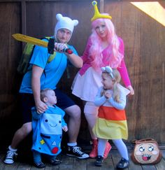 Adorable Adventure Time family - EPIC geek family!