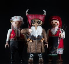 PlaymoGREEK: Ο Πουρπόυρης. ΄Εθιμο του Δωδεκαήμερου στο Ισαάκιο ΄Εβρου. Δημιουργός: Πέτρος Καμινιώτης. Φωτογραφία: Πέτρος Καμινιώτης. Folk Costume, Costumes, Contemporary Fashion, Greece, Miniatures, Museum, Culture, Traditional, Projects