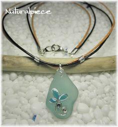 SOLDOUT 綺麗なシーグラスにNaturalPieceオリジナルのモチーフを施した大人可愛い革紐のネックレスです。(#^.^#)浜辺の宝石と呼ばれる『シー...|ハンドメイド、手作り、手仕事品の通販・販売・購入ならCreema。