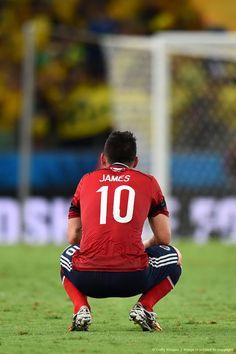 """Lo entregaron todo (no me cabe la menor duda) pero no nos alcanzó. No fue nuestro mejor juego y el arbitro """"torció"""" por el seleccionado brasilero todo el partido. ¡Gracias de corazón a los 23 futbolistas de nuestra querida Selección Colombia tal cual a José Pekerman y todo su cuerpo técnico! Nos veremos de nuevo Brasil en el estadio dentro de cuatro años o antes si es que se atreven. «Cuartos de final, 2014 FIFA Copa Mundo Brasil, """"todos en un mismo ritmo""""» [viernes, 04 de julio de 2014]."""