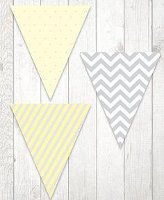 ARQUIVO PDF PARA IMPESSÃO As bandeirolas podem decorar o fundo da mesa com o nome da aniversariante ou apenas desenhos e cores! Esse arquivo PDF inclui: - 3 ...