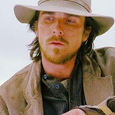 Dan Evans, to Yuma. Batman Christian Bale, Christian Love, Chris Bale, 3 10 To Yuma, Dan Evans, Grunge Guys, Sundance Film Festival, Hollywood Actor, Turkish Actors