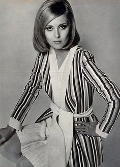 Faye Dunaway photographed by Jerry Schatzberg