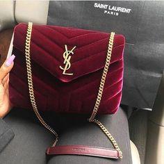 trendy ideas for womens fashion accessories handbags michael kors Chanel Handbags, Fashion Handbags, Purses And Handbags, Fashion Bags, Travel Fashion, Fashion Mode, Gucci Purses, Gucci Fashion, Cheap Handbags