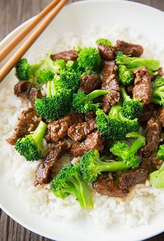 Satisfy your Chinese food cravings without all the calories or MSG with this Beef + Broccoli slow cooker recipe.