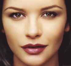 Hooded Eyes – Eyeshadow, Eyeliner and Eye Makeup Tips and Celebrities with Hooded Eyelids | BeautyHows