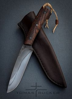 knife making metal Cool Knives, Knives And Tools, Knives And Swords, Pretty Knives, Kydex, Trench Knife, Beil, Bushcraft Knives, Knife Sheath