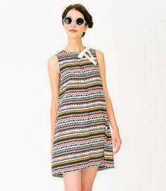 Mademoiselle Tara Spring-Summer 2012 #MAD #tarajarmon #SS12 #print #dress #sunglasses