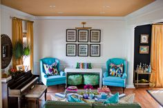 Kiki's List writer Krista Salmon's living room is perfection <3 Oh those colours!!