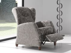 Fauteuil relax. Mod. KEVIN RELAX Recliner, Armchair, Lounge, Home Decor, Couches, Solid Wood, Chair, Sofa Chair, Airport Lounge