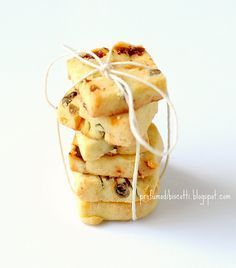 Frollini capperi, pomodori secchi e basilico by Profumo di Biscotti