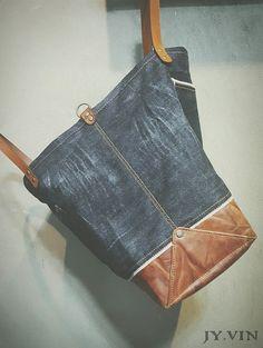 청바지리폼 북 데님 숄더백 : 네이버 블로그 Old Jeans, Denim Bag, Couture, Street Style, Handmade Ideas, Sewing, Keychains, Tote Bags, Street Fashion