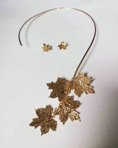 Inspirada por la naturaleza  #kelandkjewelry #inspiredbynature#leaves#chic #fashion#chicbohemian#trendy #talentovenezolano#DiseñoVenezolano #DiseñoLatinoamericano#necklace #gargantilla#elegance #handcraftedjewelry #hechoamano #artisanjewelry#jewelry #hechoenvenezuela #earrings #womenaccesories