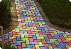 Summer fun : use chalk to turn your paved walkway or driveway into a rainbow! Great for a summer day art activity, or to decorate with color for a kids party : by eklektick Last Minute Halloween Kostüm, Amusement Enfants, What's My Favorite Color, Sidewalk Chalk Art, Brick Sidewalk, Disco Party, Neon Party, Living At Home, Over The Rainbow