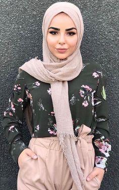 Fashion Arabic Style Illustration Description Blush, black, flower power – check out: Esma ♥ – Read More –