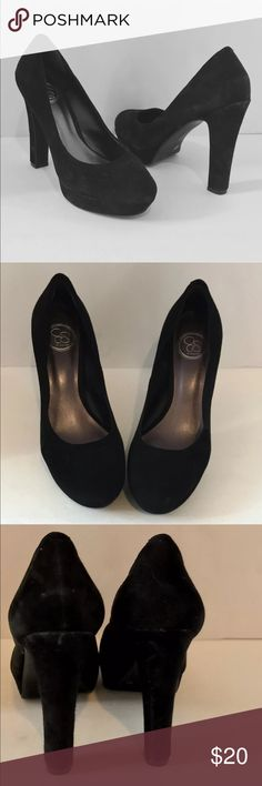 """Jessica Simpson black suede platform pumps Jessica Simpson Black Suede platform pumps Style name is kipperx Size 9 Heels are 4.75""""    These shoes are from the clean, non-smoking home of one of my most fabulous consignment clients.  They are in good condition. Jessica Simpson Shoes Heels"""