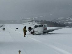 Beechjet 400 hits snowplow while landing on closed runway at Telluride, Colorado: http://aviation-safety.net/database/record.php?id=20151223-0