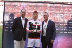 Lima foi o jogador do mês de Abril #CarregaBenfica  #grandelima pic.twitter.com/NKp5OKyGE4