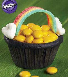 Pot of Gold St. Patrick's Day Cupcakes via @Wilton Cake Decorating Cake Decorating Cake Decorating