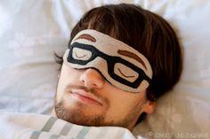 Vervliest und zugenäht: Schlafbrille mit Brille {Freebook/Tutorial}