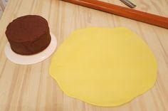 TUTORIAL: come rivestire una torta con pasta di zucchero – parte II