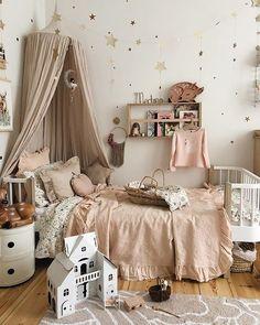 Insider Secret on Dreamy Girl's Bedroom Uncovered - homesdeccor Baby Bedroom, Girls Bedroom, Bedroom Decor, Deco Kids, Kids Room Design, Little Girl Rooms, Kid Spaces, Home Interior, Room Inspiration