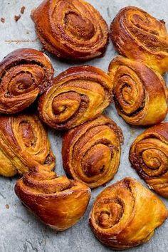 Slovak Recipes, Pumpkin Cinnamon Rolls, International Recipes, Holiday Treats, Cake Recipes, Delish, Brunch, Sweets, Cupcakes