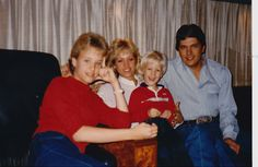 Country Musicians, Country Music Singers, Country Artists, George Strait Family, Joyce Taylor, Donny Osmond, Garth Brooks, Country Music Stars, Country Men