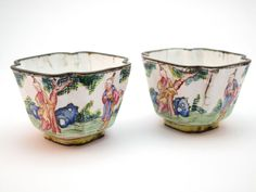 SCARCE PAIR ANTIQUE 18thC QING CHINESE EXPORT CANTON QIANLONG ENAMEL WINE CUPS
