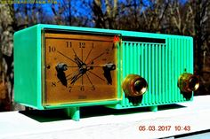"""BEAUTIFUL SEA GREEN Retro Jetsons 1956 Motorola 56CS4A Tube AM Clock Radio Totally Restored! DIMENSIONS: Approximately 12"""" x 5"""" x 6"""" (l x w x h) COLOR: Sea Green, like a pastel green, or pistachio gre"""