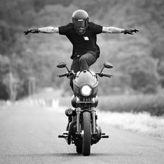 death-collective: getting some asphalt waves. Motorcycle Style, Motorcycle Outfit, Motorcycle Quotes, Motorcycle Garage, Motorcycle Helmets, Vintage Motorcycles, Custom Motorcycles, Triumph Motorcycles, Biker Photography
