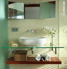 Bedroom with bathroom Bathroom Storage, Small Bathroom, Pedestal Sink, Apartment Design, Double Vanity, Decoration, Bedroom Decor, Bedroom Ideas, Sweet Home