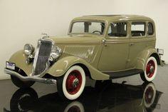 '34 Ford Model 40B Deluxe Fordor Sedan