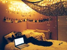 Christmas Light Decorations Ideas for Bedroom Pictures