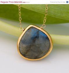 LABOR+DAY+SALE++Labradorite+Necklace++Bezel+Necklace++by+delezhen,+$44.20
