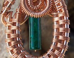 Wire wrapped elegant pendant with green bead - Editar anuncio - Etsy