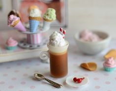 Miniature Ice Cream Root Beer Float in Frosty by CuteinMiniature