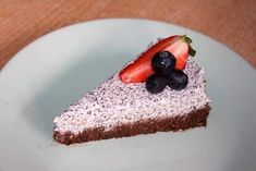 Nepečená maková torta bez cukru - recept Raw Cake, Mini Cheesecakes, Gluten Free Cakes, Pina Colada, No Bake Desserts, Tiramisu, Food And Drink, Pudding, Baking