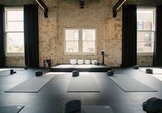 Best Yoga Studio Design Ideas 1 - Co-working - Yoga Studio Design, Yoga Studio Interior, Yoga Room Design, Gym Design, Design Ideas, Yoga Studio Decor, Wellness Studio, Fitness Studio, Meditation Space