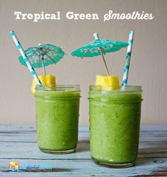 Want breakfast with a nutritional kick? Try this Tropical Green Smoothie Recipe