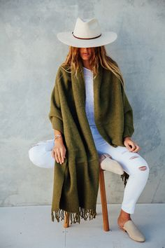 Wear Pampa this winter, oversized llama wool scarves Wear Pampa this winter, oversized llama wool scarves Desert Fashion, Boho Fashion, Fashion Outfits, Womens Fashion, Style Fashion, Fashion Top, Fashion Clothes, Fall Winter Outfits, Autumn Winter Fashion