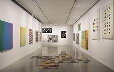 Installation view of Graciela Hasper: Gramática del Color, Museo del Arte Moderno de Buenos Aires, 2013-2014. Contemporary Artists, Art History, Stage, Art Gallery, Architecture, Design, Home Decor, Be Nice, Buenos Aires