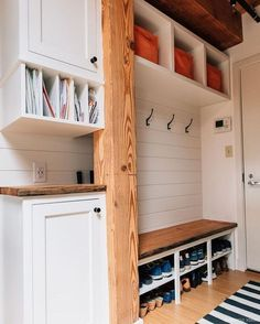Mudroom laundry room - 15 Incredible Mudroom Organization Ideas For Simple Storage – Mudroom laundry room Mudroom Laundry Room, Laundry Shelves, Shoe Shelves, Floating Shelves, Wall Shelves, Shelf Hooks, Shelf Display, Shelf Brackets, Open Shelves