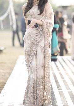 Pakistani Fashion Party Wear, Pakistani Wedding Outfits, Indian Fashion Dresses, Dress Indian Style, Pakistani Dress Design, Pakistani Dresses, Designer Sarees Wedding, Designer Party Wear Dresses, Fancy Dress Design