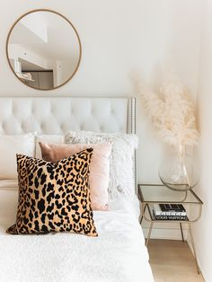 Gold Bedroom Decor, Room Ideas Bedroom, Living Room Decor, Cheetah Bedroom Decor, Cheetah Print Decor, Leopard Print Bedroom, Leopard Room, Leopard Home Decor, Animal Print Bedroom