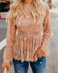 Love this coral lace top for women! Cute outfits for women Peplum Top Outfits, Casual Outfits, Cute Outfits, Peplum Tops, Spring Summer Fashion, Spring Outfits, Autumn Fashion, Trend Fashion, Fashion Outfits
