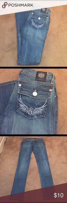 🎉Rock & Republic Skinny jeans🎉 Really nice skinny jeans in excellent condition by Rock and Republic. Size: 24 x 30. Materials: 98% cotton, 2% spandex. Rock & Republic Jeans Skinny
