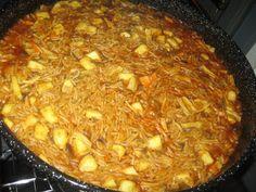 Σουπιά με κριθαράκι στο φούρνο!!! ~ ΜΑΓΕΙΡΙΚΗ ΚΑΙ ΣΥΝΤΑΓΕΣ Kai, Shellfish Recipes, Happy Foods, Greek Recipes, Paella, Chili, Seafood, Spaghetti, Beans