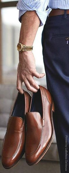 Nice outfit details. Navy pants would go well in your closet with some brown dress shoes