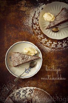 BAILEYS MUTAKAKKU – Liemessä A Food, Food And Drink, Baileys, Yummy Drinks, Tiramisu, Camembert Cheese, Food To Make, Sweet Treats, Sweets